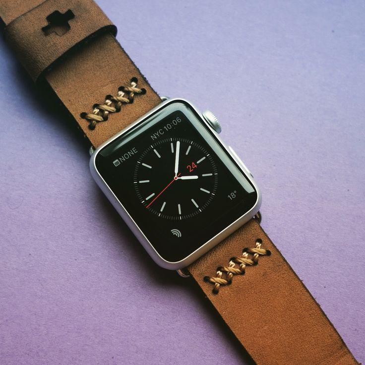 Ręcznie wykonany pasek do Apple Watcha. Sprowadzałem przez Etsy.