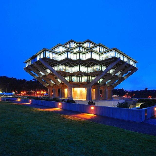 Ucsd S Geisel Library Unique Buildings Amazing Architecture Beautiful Buildings