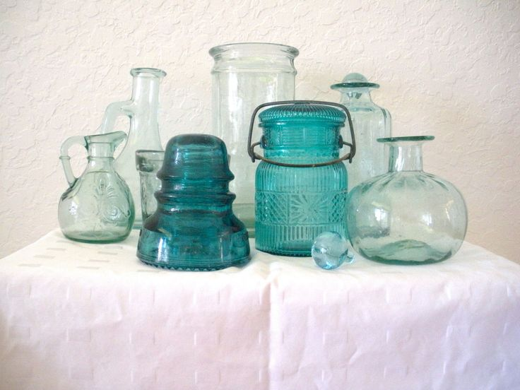 Collection of  8 Vintage Turquiose/Aqua Glass.