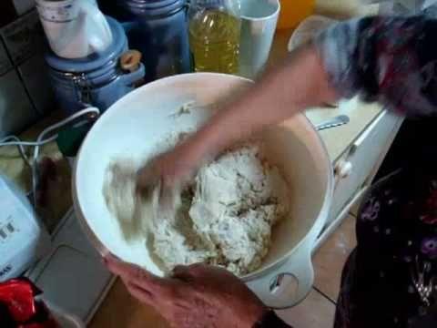 Chilean Pan Amasado - Delicious Homemade Bread.Que linda senora, gracias por su receta :)
