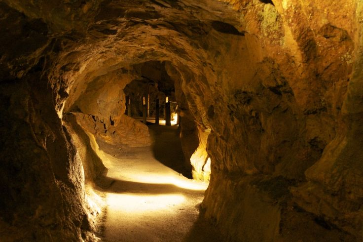 Open seasonally March through November, visitors enjoying the Natural Bridge Caverns VA tour descend more than 34 stories deep within the Earth to get to the magnificent natural display