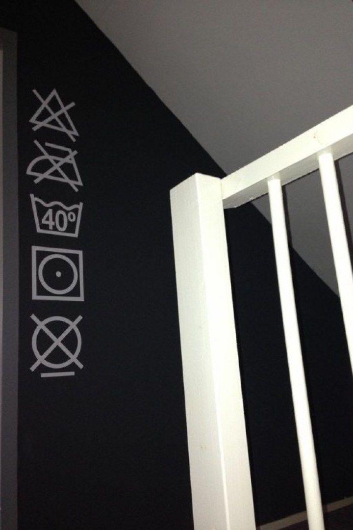 Interieur | De perfecte wasruimte. Opbergoplossingen voor was, wasmachine en droger. Wasruimte inrichten. - #woonblog www.stijlvolstyling.com
