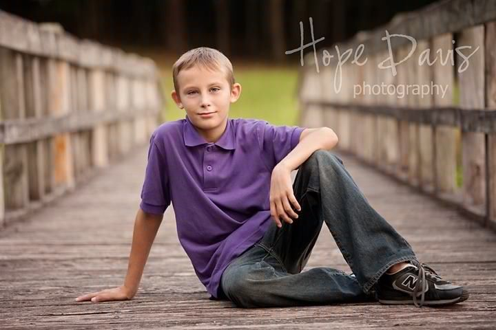 Good pose for tween boy