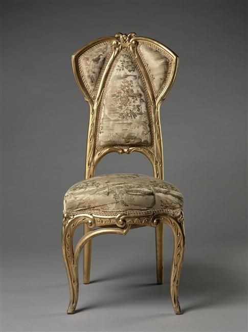Joan Busquets i Jané (1874-1949) - Side Chair. Carved & Gilt Wood with Upholstery Fabric. Barcelona, Spain. Circa 1902.