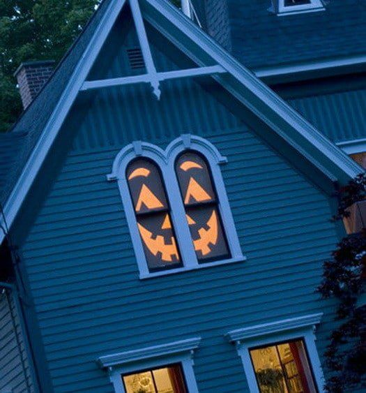 Scary Outdoor Halloween Decorations And Silhouettes_34