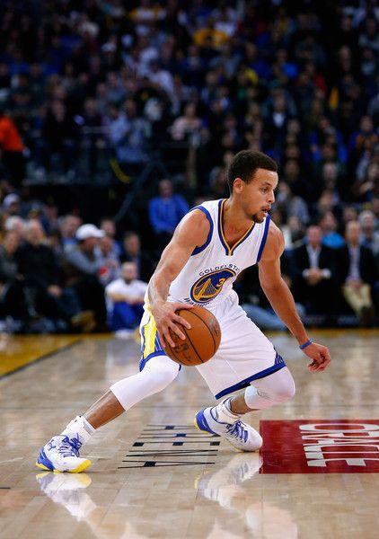 Stephen Curry Photos - Detroit Pistons v Golden State Warriors - Zimbio