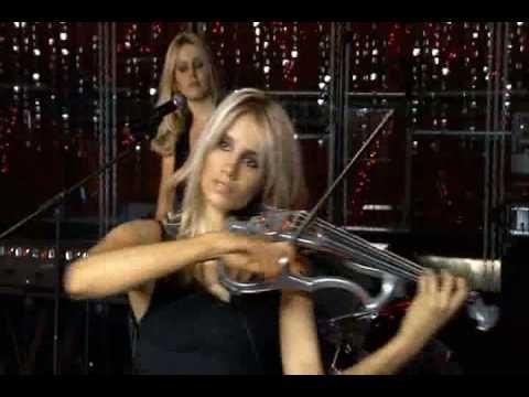 Ave Maria - Wild =Ave Maria executada pelo grupo Wild, formado por 5 mulheres celtas. Três tocam violino elétrico e duas tocam teclados.