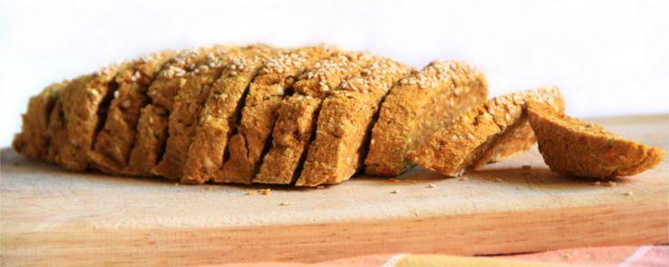 Il classico pane casereccio rivisitato in chiave crudista. Si prepara con grano saraceno germogliato, carota e semi. Prova la ricetta!