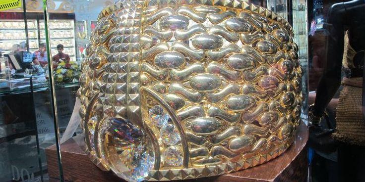 Blusukan Di Pasar Dubai Demi Melihat Cincin Terbesar Di Dunia - https://darwinchai.com/traveling/blusukan-di-pasar-dubai-demi-melihat-cincin-terbesar-di-dunia/