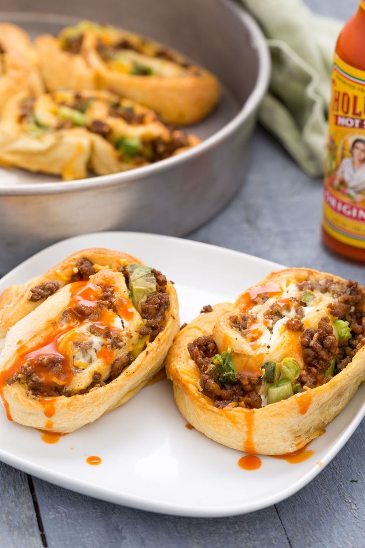 Beef Taco Roll-Ups: Soft taco lovers, prepare to freak over these cheesy, beefy, saucy rolls. - Delish.com