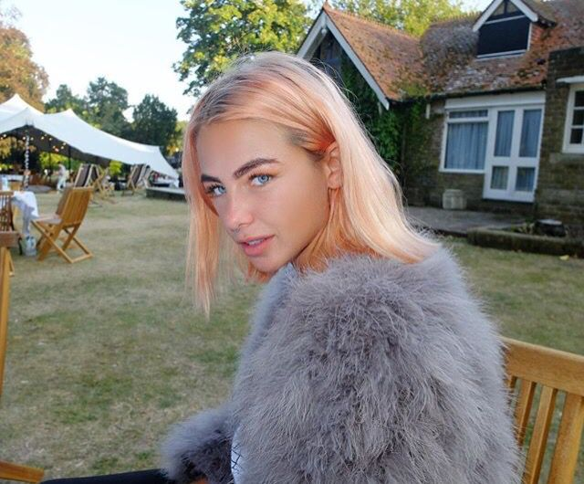 Jess Woodley Peach Hair                                                                                                                                                     More