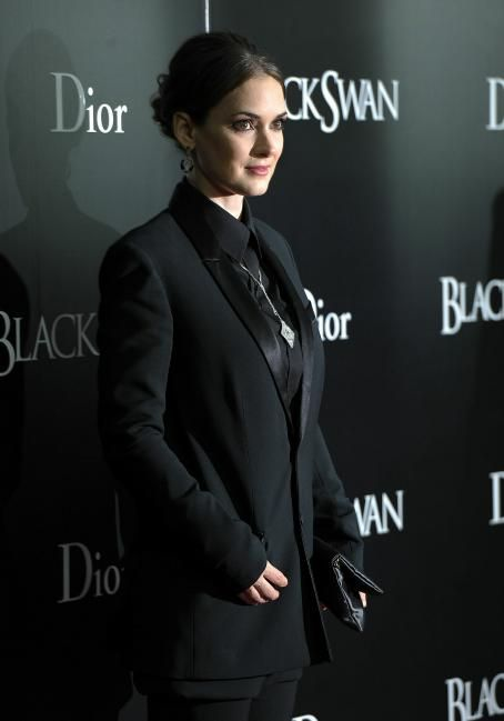 Winona Ryder - New York Premiere of 'Black Swan' at the Ziegfeld Theatre on November 30, 2010 in New York City
