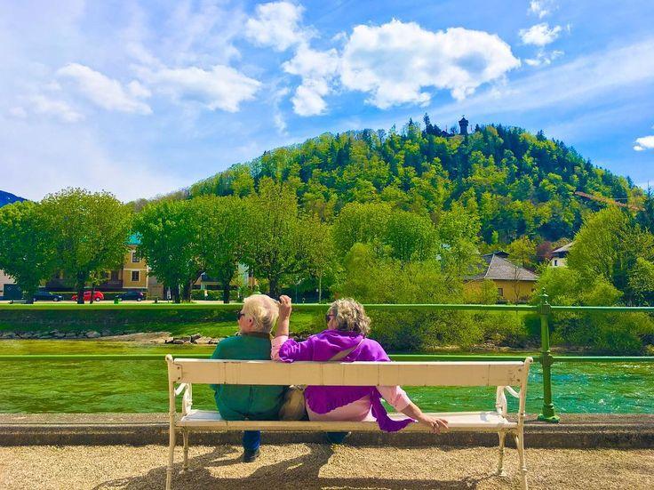 저 노부부처럼 늙고싶다�� . . . . . . . . . . . . . . #austria#vienna#wien#badischl#travel#world#worldtravel#camera#photo#iphone#family#travelholic#follow#f4f#like4like#daily#europe#가족여행#유디니#여행에미치다#동유럽여행#오스트리아#해외여행#선팔#맞팔#일상#바트이슐#노부부#selfie http://tipsrazzi.com/ipost/1505238041826999339/?code=BTjrgYhgLwr