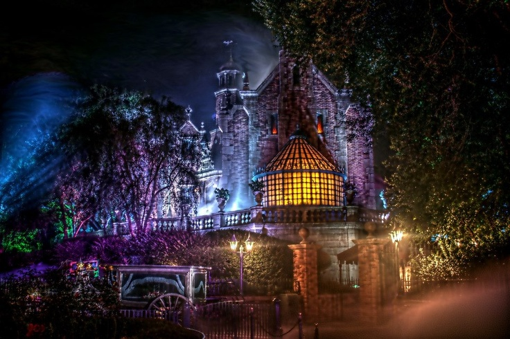 Haunted Mansion Disney World awesome pic!!!!