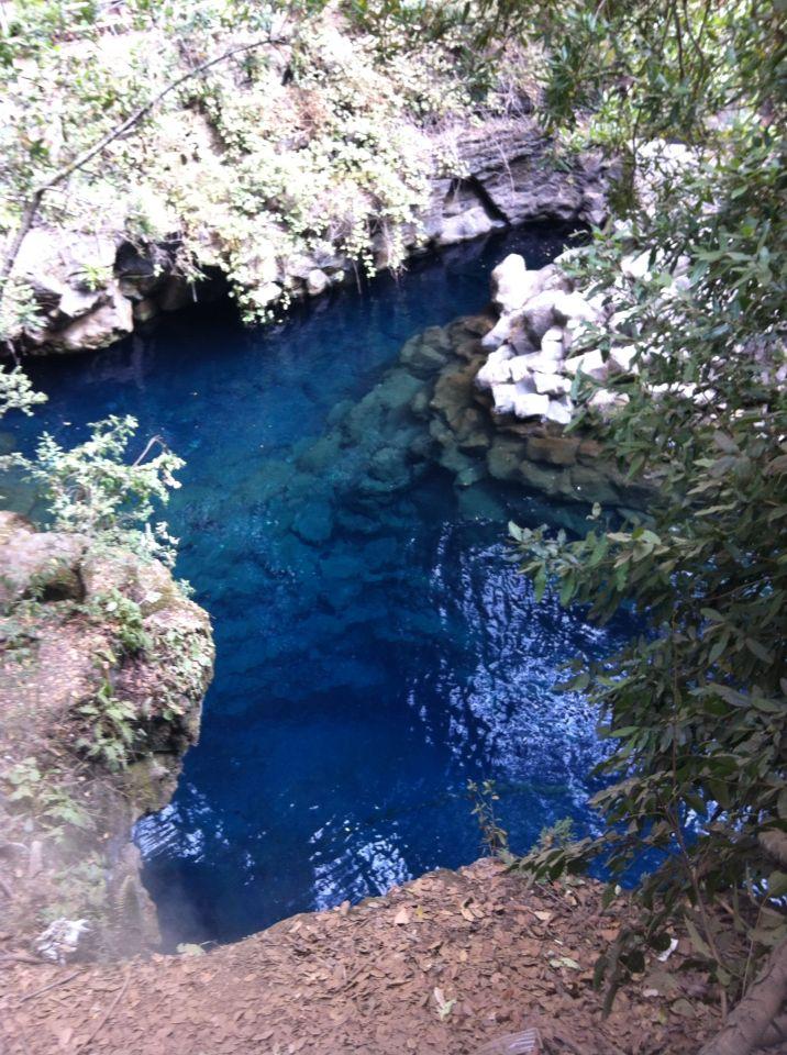 Laguna azul, caburgua, Chile.