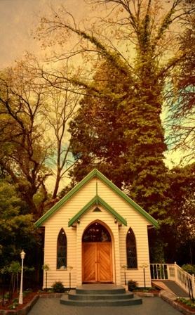 the sweetest chapel captured beautifully any time of the day