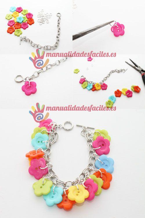 Materiales:      - Cadena de pulsera plateada      -1 pack de botones de flores      -1 pack de anillas plateadas de 8mm      Materiales de venta en nuestra tienda online
