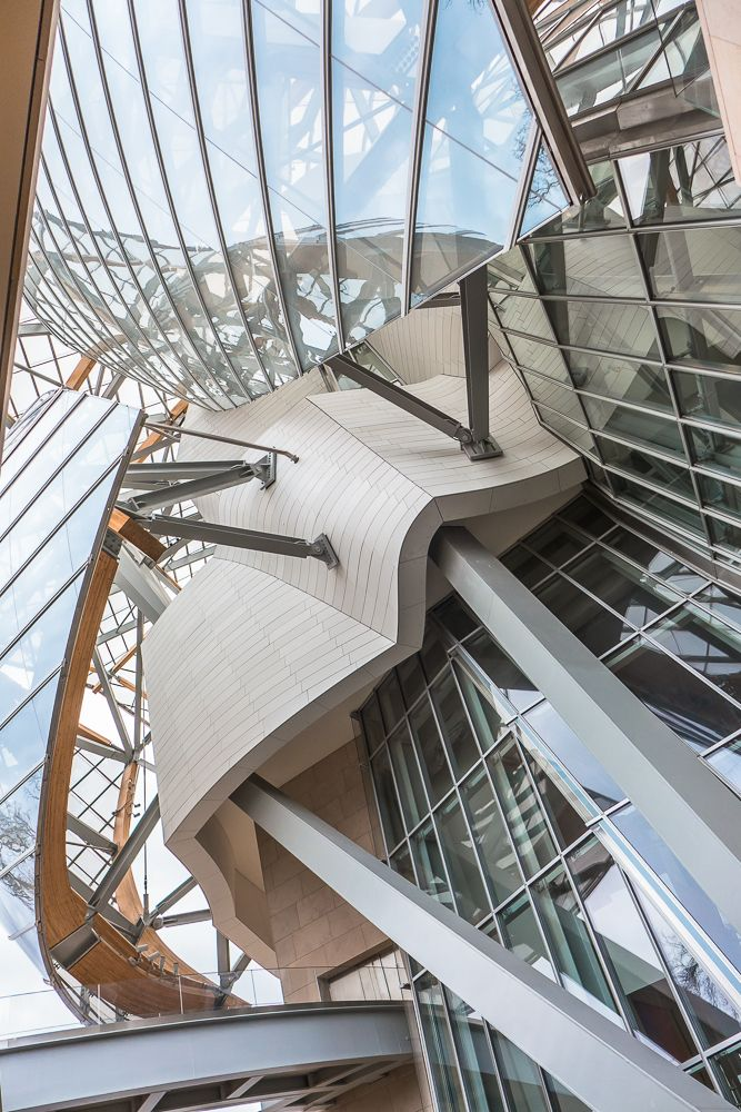 Paris, Fondation Louis Vuitton by Frank Gehry.
