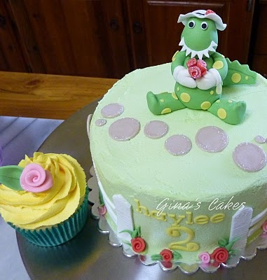 Top That!: Dorothy the Dinosaur Cupcake Tower
