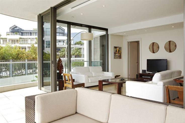 101 Palgrave - 101 Palgrave is a private, easily accessible waterfront apartment situated along the banks of the Marina Canal and Waterfront Yacht basin.  The apartment is within walking distance to the famous V&A Waterfront. ... #weekendgetaways #vandawaterfront #southafrica