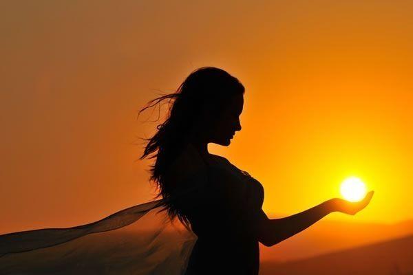 Быть слишком свободным, чтобы волноваться, слишком великодушным, чтобы гневаться, слишком сильным, чтобы бояться, и слишком счастливым, чтобы допускать существование проблем.