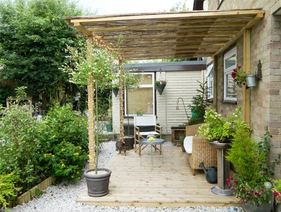 Enthused Monkey: Crafty DIY : Decked Garden Terrace