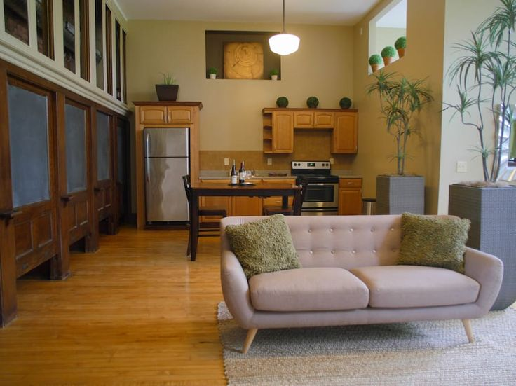 Entire home/apt in Rochester, United States. Includes VIP breakfast for 2! ($35 value/day) Located in the historical Alexander Hamilton building, our luxury lofts feature 14' ceilings, 100 year old hardwood floors, all-original architecture, an entire wall of windows, stainless steel applia...