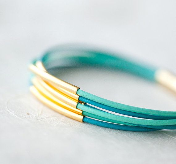Simple: Colors Leather, Jewelry In, Golden Tube, Jewelry Accessories, Bracelets 20, Pastel Colors, Leather Bracelets, Jewelry Boxes, Amazing Jewelry