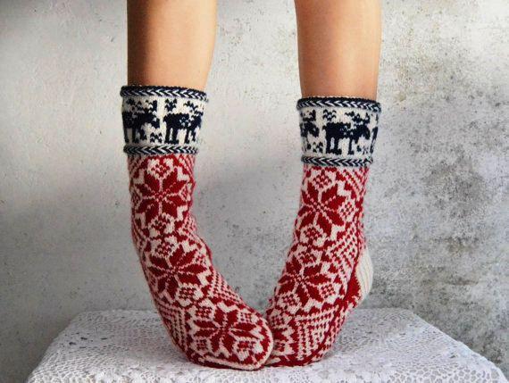 Custom order Hand knit thick toasty wool socks to buy europe scandinavian women men white red long moose norvegian snowflake ull sokker