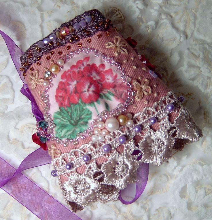 POLSINO ricamato a mano PIZZO ROSA perle Bohemian BRACELET CORSETTO gipsy fiori in Abbigliamento e accessori, Donna: accessori, Braccialetti e polsini   eBay