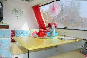 Caravan pimpen 2 - all different colors, heart on the wall, front of cabinets