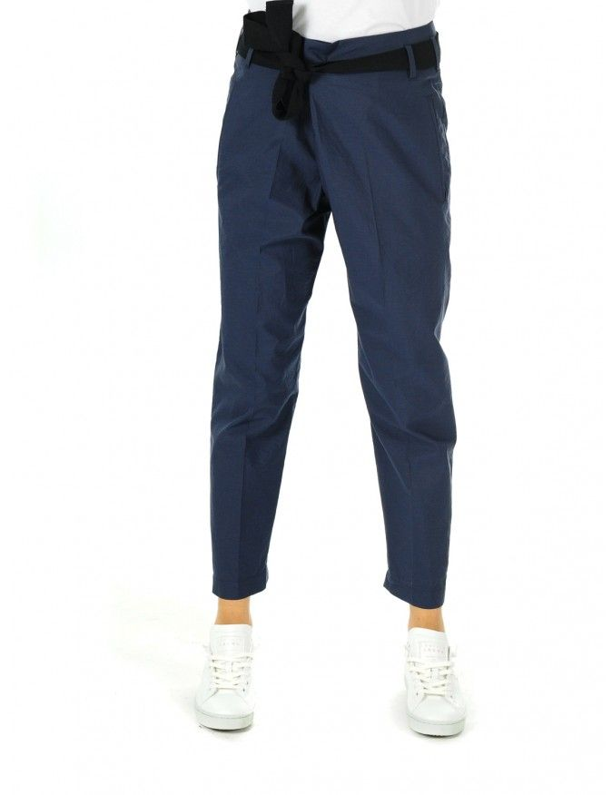 PANTALONE DONNA C2831 ZAFFIRO @bcucinelli  #caneppele #trento #women #outfit #shop #online #italia #spring #summer #2016 #brunello #cucinelli #blue #pants #ribbon #trousers #elegant #italian #style #look #navy #crop #pantalone #elegante