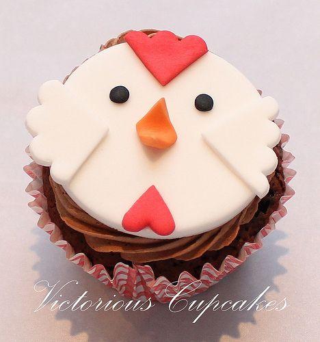 Easy farm animal cupcake!  Book book CHICKEN!!