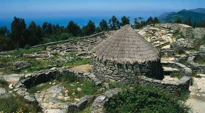 Pontevedra: Castro de Santa Tecla. --- Village fortifié romain de Santa Tecla.