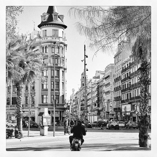 220 best bcn b n xxl images on pinterest barcelona - Placa universitat barcelona ...