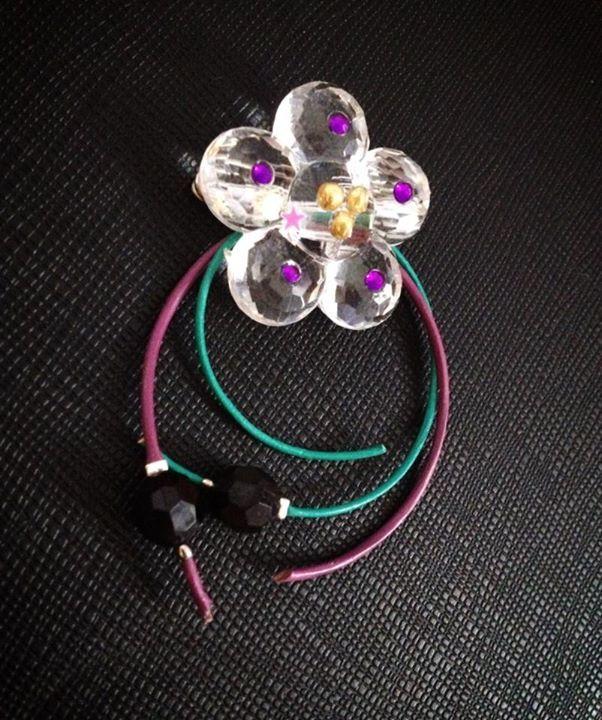 handmade flower brooch, leather cords https://www.facebook.com/xtworld?ref=hl