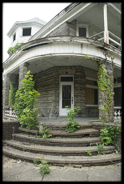 Abandoned Mansion, needs a little TLC but it has the bones for something stunning!
