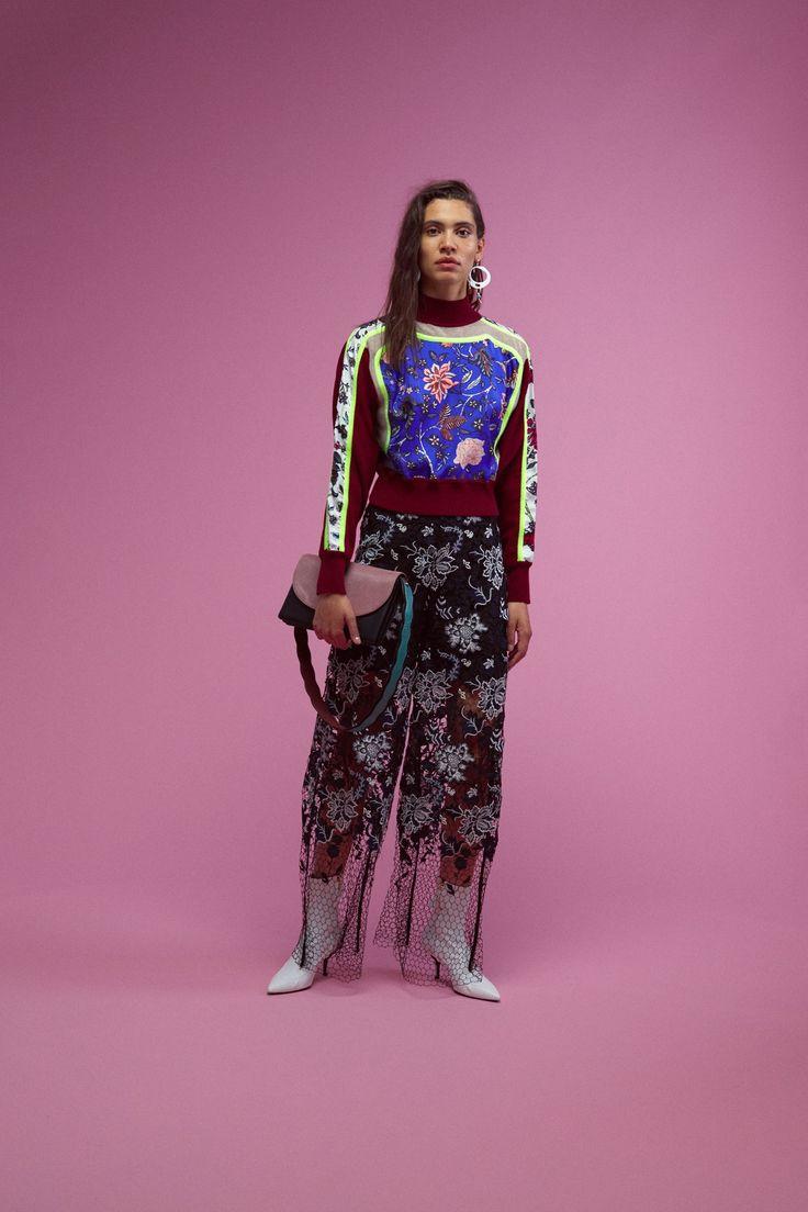 http://www.vogue.com/fashion-shows/resort-2018/diane-von-furstenberg/slideshow/collection