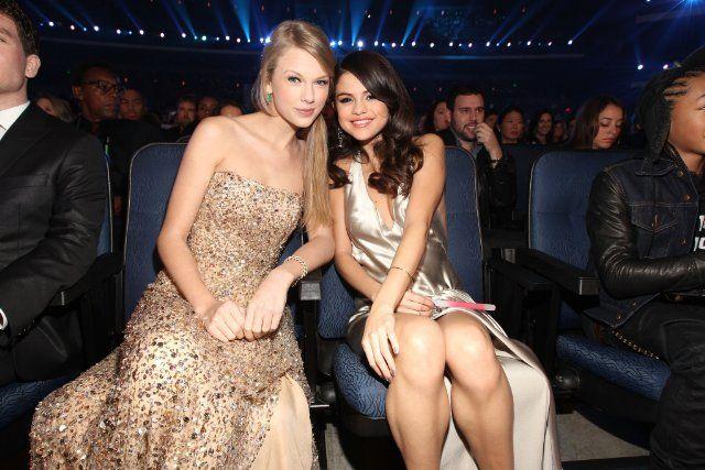 Taylor and Selena, 2011 Teen Choice Awards