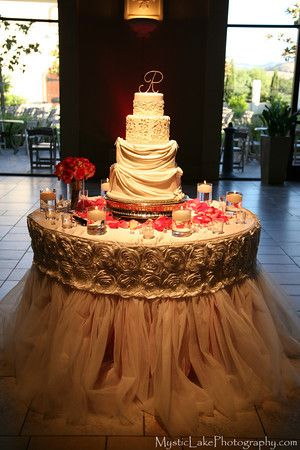decorating wedding cake table with tulle 30 best images about wedding cake table decor on 13421