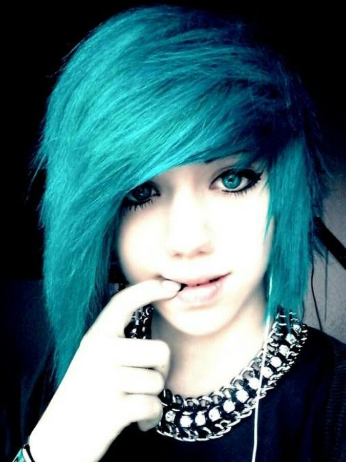 Emo Hairstyles : hair: Hair Colors, Emo Girls, Hair Styles, Emo Hairstyles, Blue Hair ...