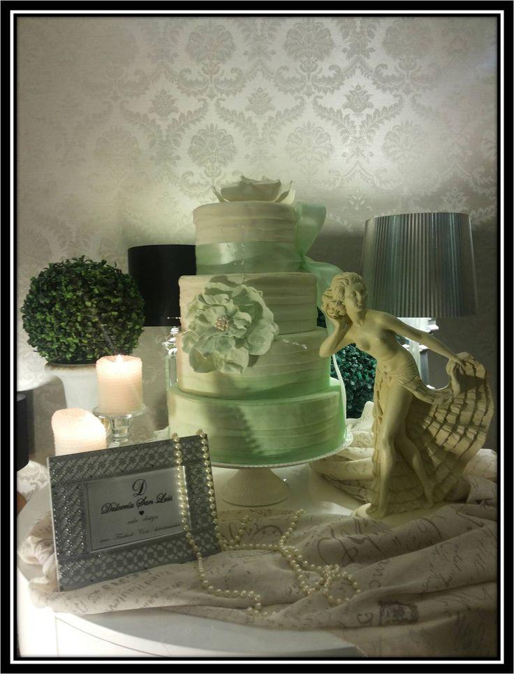 Torta romántica en tonos menta  provenzal #cake #weddings  #luxury #novias #romantic #porvenzal #torta