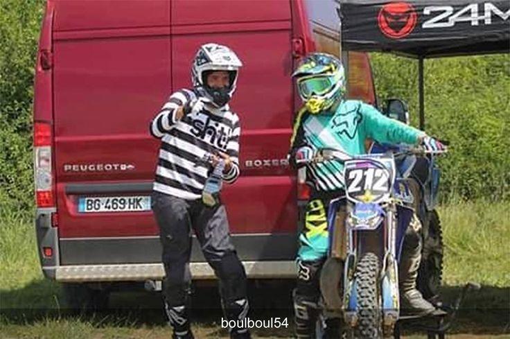 Dressed for success  #Repost @boulboul54 Bonne journée à auboué  @rideuse_212  #dwbtoftshit #sht #fox #foxracing -///- #mxlife #motocross #mx #mxgear #motocrosslife