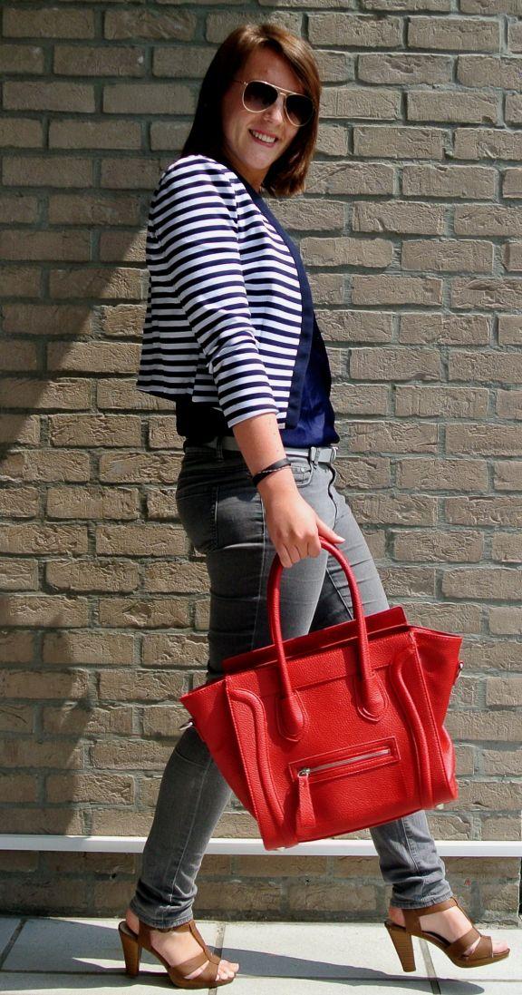 http://evionamissionblog.wordpress.com/2014/06/10/outfit-gestreepte-blazer/