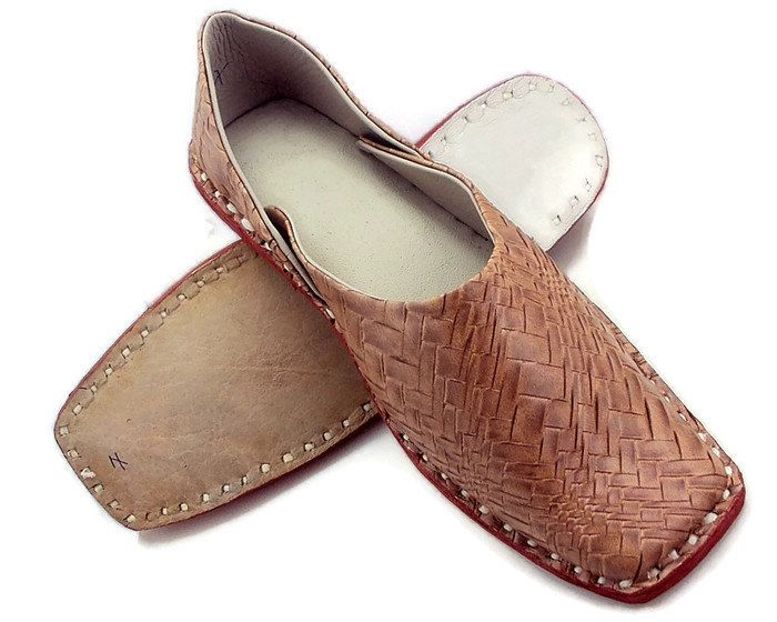Free shipping Mens Footwear Foot Clone Flats, Mens  Party Wear,Handmade Slippers, Leather Mens slip on Shoes, Mens designer Juti by SILVERHUT on Etsy