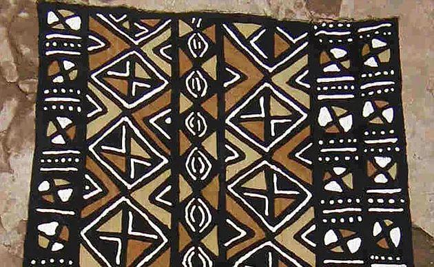 Modderdoek beschermt tegen het kwaad | Lodia Art: kleurrijke Afrikaanse kunst en cadeaus in hartje Den Haag