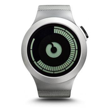 Un reloj con un aire futurista y con la elegancia del acero inoxidable mate en la caja y en la correa de malla http://www.tutunca.es/reloj-de-acero-inoxidable-ziiiro-saturn-malla