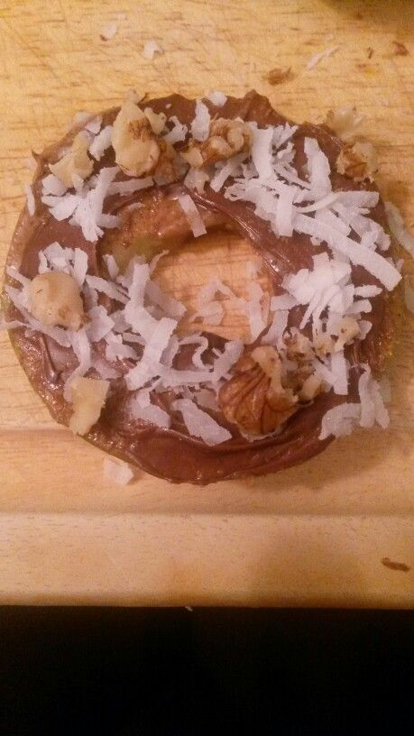 Green apples, almond butter, nutella, coconut shavings, and walnuts ...