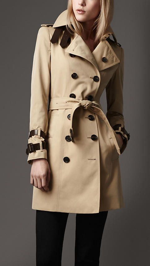 Burberry leather detail heritage trench coat.. this is on my wish list!Heritage Trench, Gabardine Leather, Design Handbags, Cotton Gabardine, Design Bags, Leather Details, Trench Coats, Leather Belts, Midlength Cotton