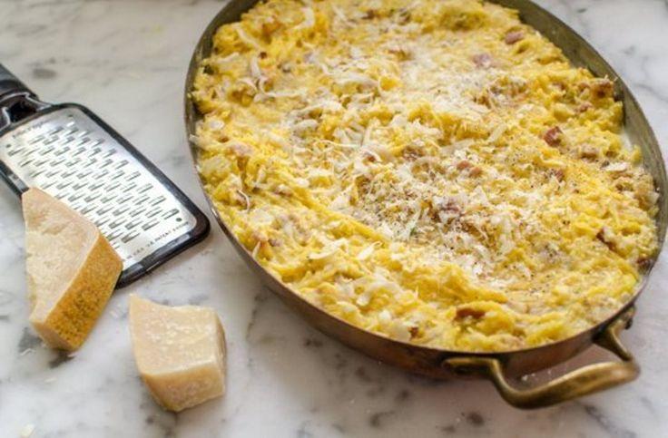 Λαχταριστή καρμπονάρα φούρνου Μια αυθεντική ιταλική συνταγή.